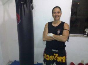 Eu durante a minha aula de Muay Thai. Observe o uniforme.