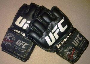 Minha luva do MMA.